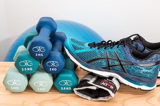 sportovní obuv a čínky