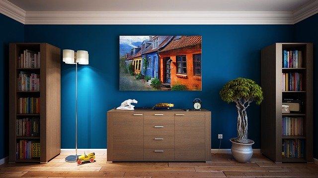 obraz na modré zdi