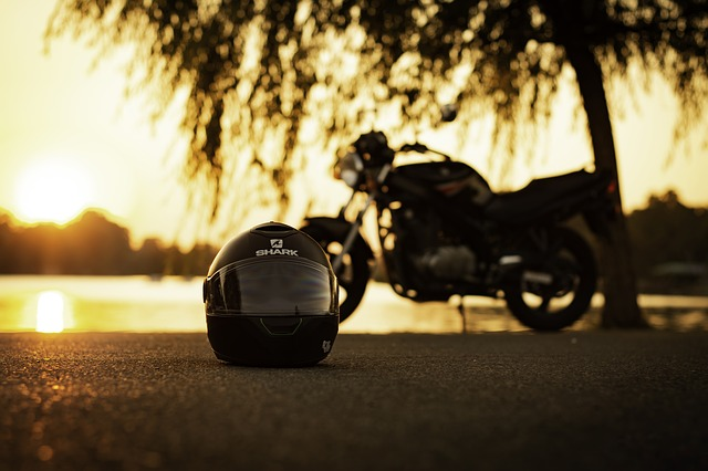 motocykl v parku