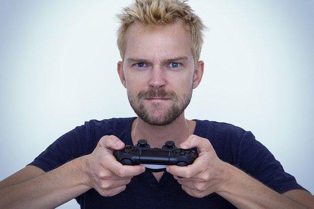 muž, který hraje hru