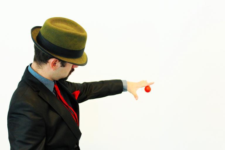 kouzelník s kuličkou